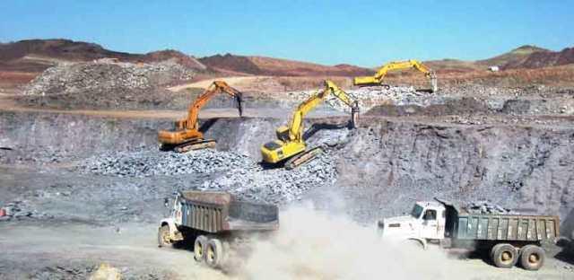 راه دسترسی به ۱۵ معدن قیر طبیعی در گیلانغرب احداث میشود
